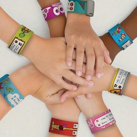 Infoband I.D. Travel Wrist Band for kids - Giraffe/Red